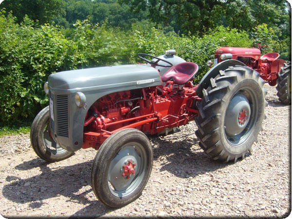 Tracteur ferguson petit gris diesel